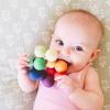Grimms kralengrijper perfecte speeltje voor onder het verschonen met wasbare luiers (Billenboetiek) klein
